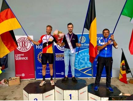 Jens De Cubber uit Lierde en lid van onze Club wint in Nancy het 36ste Rotary International Cycling Championship